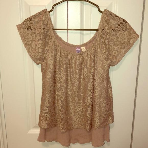 Francesca's Collections Tops - Lacy tan halter top